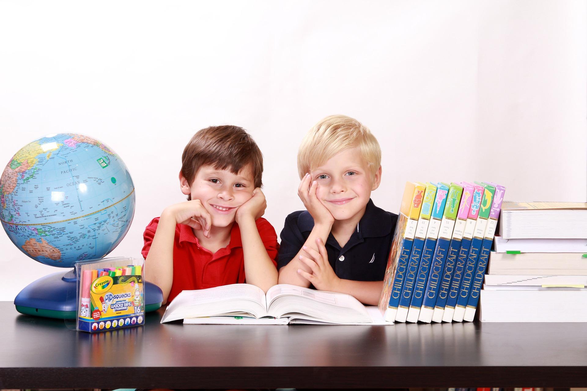 出身小学校によって将来の年収が決まる?!