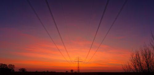 高圧電線降下の住宅